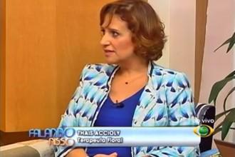 Thais Accioly fala sobre Dor de Amor no programa Falando Nisso - Foto: Reprodução